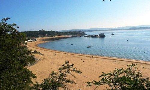 Playa de los bikinis y playa de La Magdalena