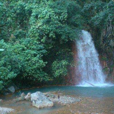 main waterfall @ Pulangbato