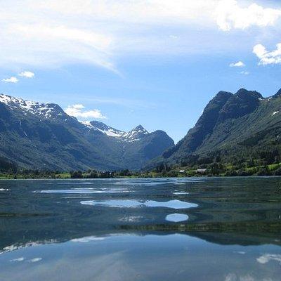 Lake Floen  -  Olden