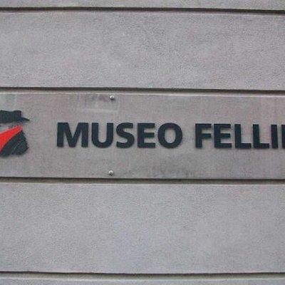 Federico Fellini, toller Filmregisseur und mehr als 10facherOskarpreisträger, wurde in Rimini ge