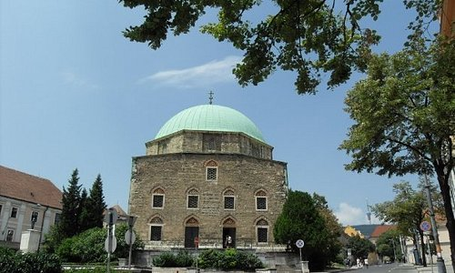 Ottoman Mosque turned into an evangelical church. At the top one can observe both the Muslim cre