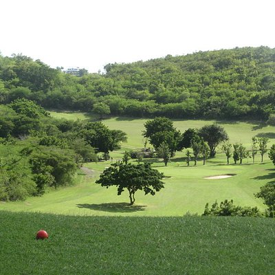 looking down the 6th hole from the tee
