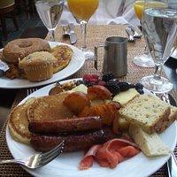 delicious breakfast buffet!