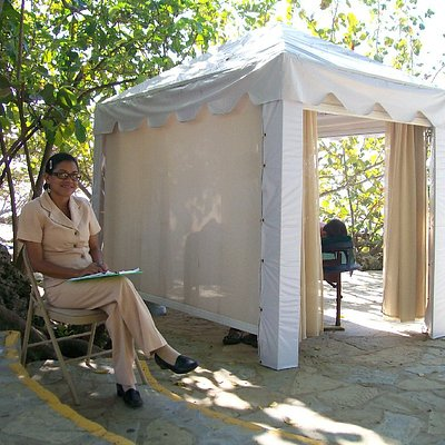 L' Rossee Massage Tent