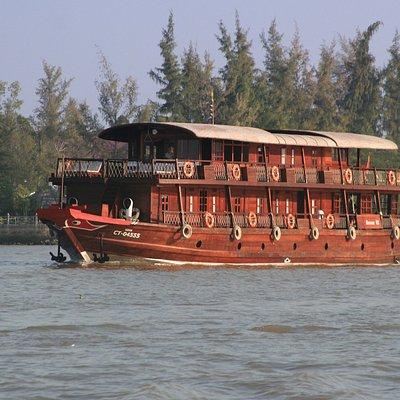 Bassac III on its way towards Cai Rang floating market.