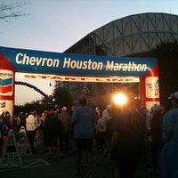 2010 Houston Marathon on Jan 17