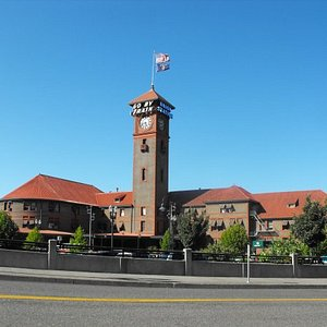 Really cool picture of Union Station.
