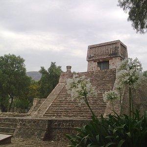 Mexico Piramide de Acatitlan