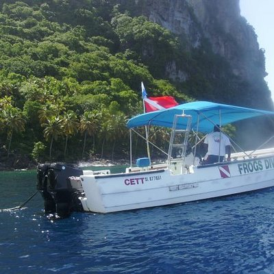 """WE  HAVE  ARRIVED  TO  THE  BASE  OF  THE  PITONS AT  THE  DIVE  SITE  NAMED: """"SUPERMAN's  FLIGH"""