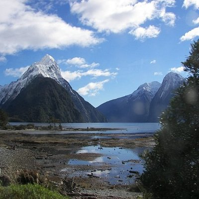 Mitre Peak at Milford Sound.Probably our favourite picture of the whole trip!
