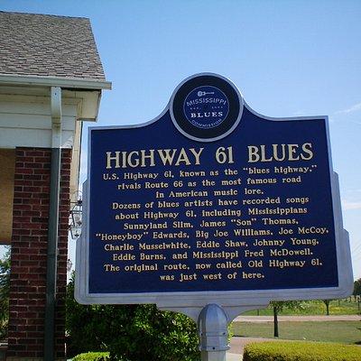 Hwy 61 Blues trail marker