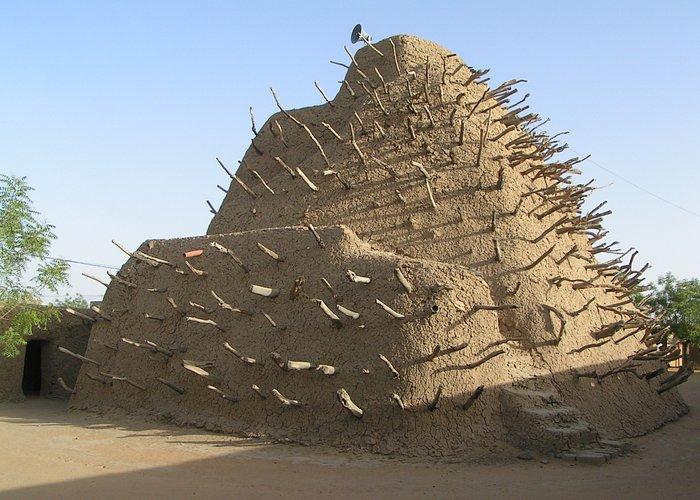 Tomb of Askia, May 2009