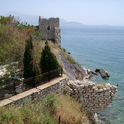 Castle overlooking sea