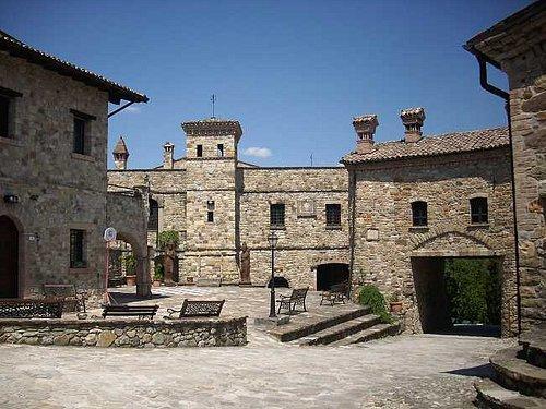 Piazza principale del Borgo