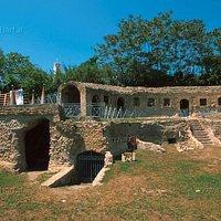 Tomba di Agrippina esterno