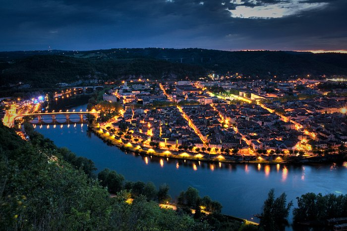 Cahors by night