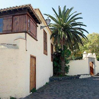 Museo de Historia y Antropología de Tenerife (Casa de Carta). Fachada.