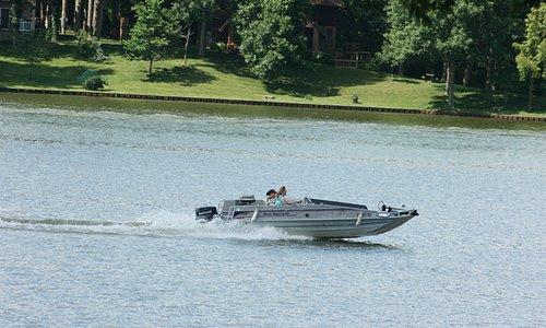 Lake Sara, Boating