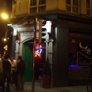 Panti Bar の入り口