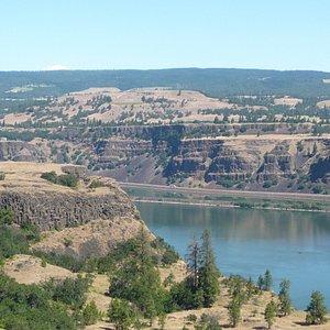 Columbia River near Memaloose SP