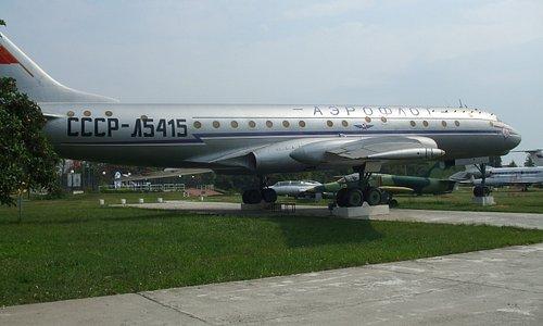 Tupolev TU 104 Camel