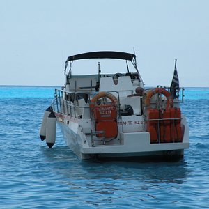 Captain Spiros's speedboat... it's faaast! :)
