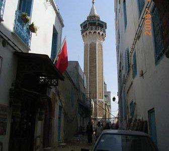 シディ・ユセフ・モスクのミナレット