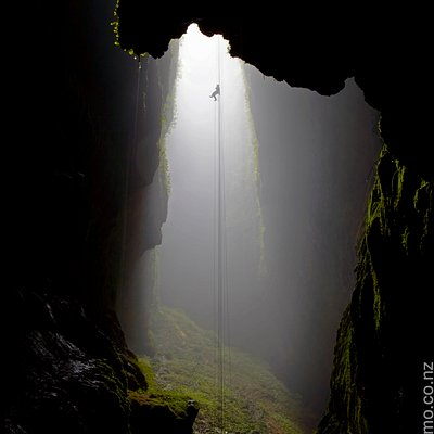 Lost World 100m Abseil I
