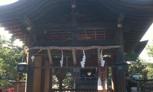 江島神社 奥津宮(おくつみや)