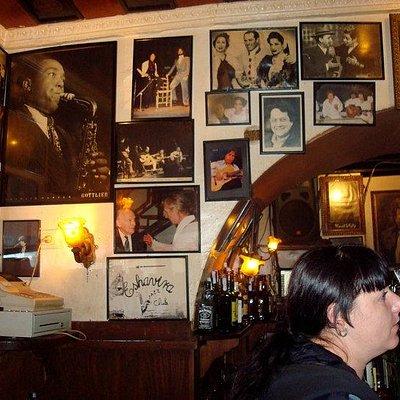 Bar Eshavira Club
