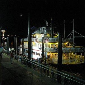 The Harriet II Riverboat