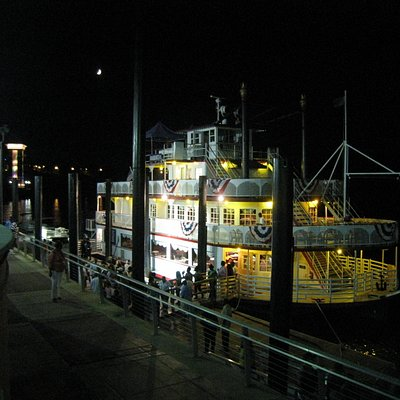 The Harriet II Riverboat