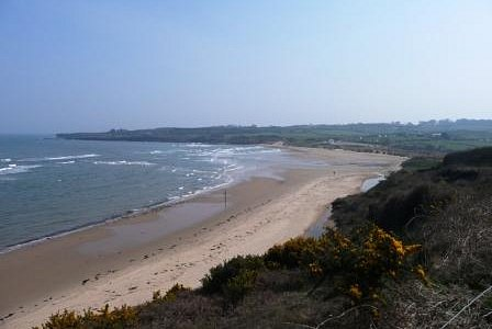 The sweeping sands of Lligwy Beach