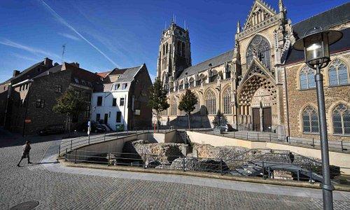 Excavation and Church - Tongeren