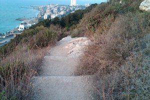 Pathway down from Stella maris to sea