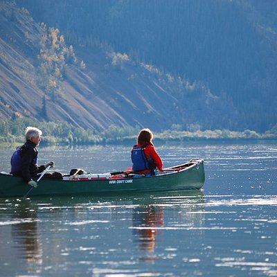 Paddling dow the Yukon River
