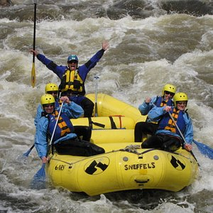 Rafting w/ Mountian Whitewater Descents