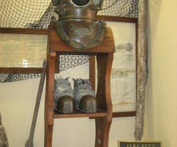 Antique diving gear