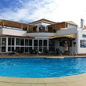 Olympus pool bar