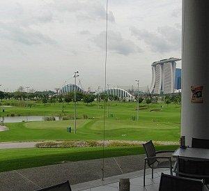 ゴルフ場レストランからの景色