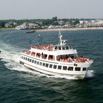 Island Queen ferry to Martha's Vineyard