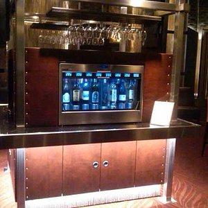The automatic wine bar tasting machine