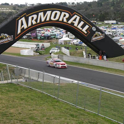 Conrod Straight- view from the balcony of the Citigate Mount Panorama Hotel