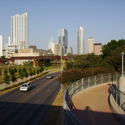 austin skyline from the pedestrian bridge