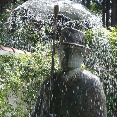 La fontaine de l'Homme au parapluie