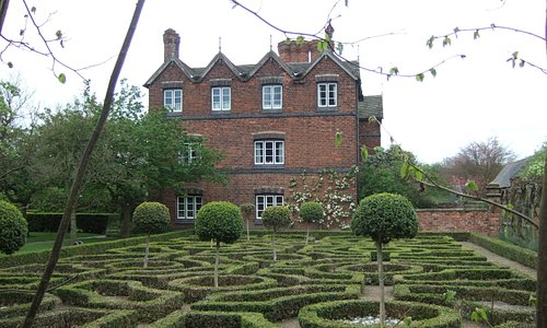 Moseley Old Hall and Knot garden