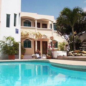 """piscina y área habitacional """"marina real"""""""