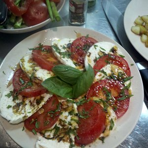 Our shopping results - caprese salad!