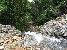 falls are very high look at the tiny people