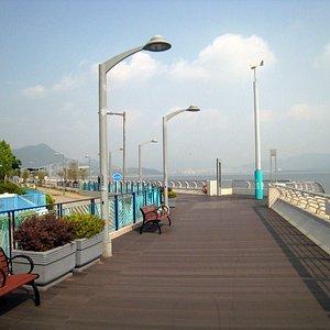 MOS Promenade 3